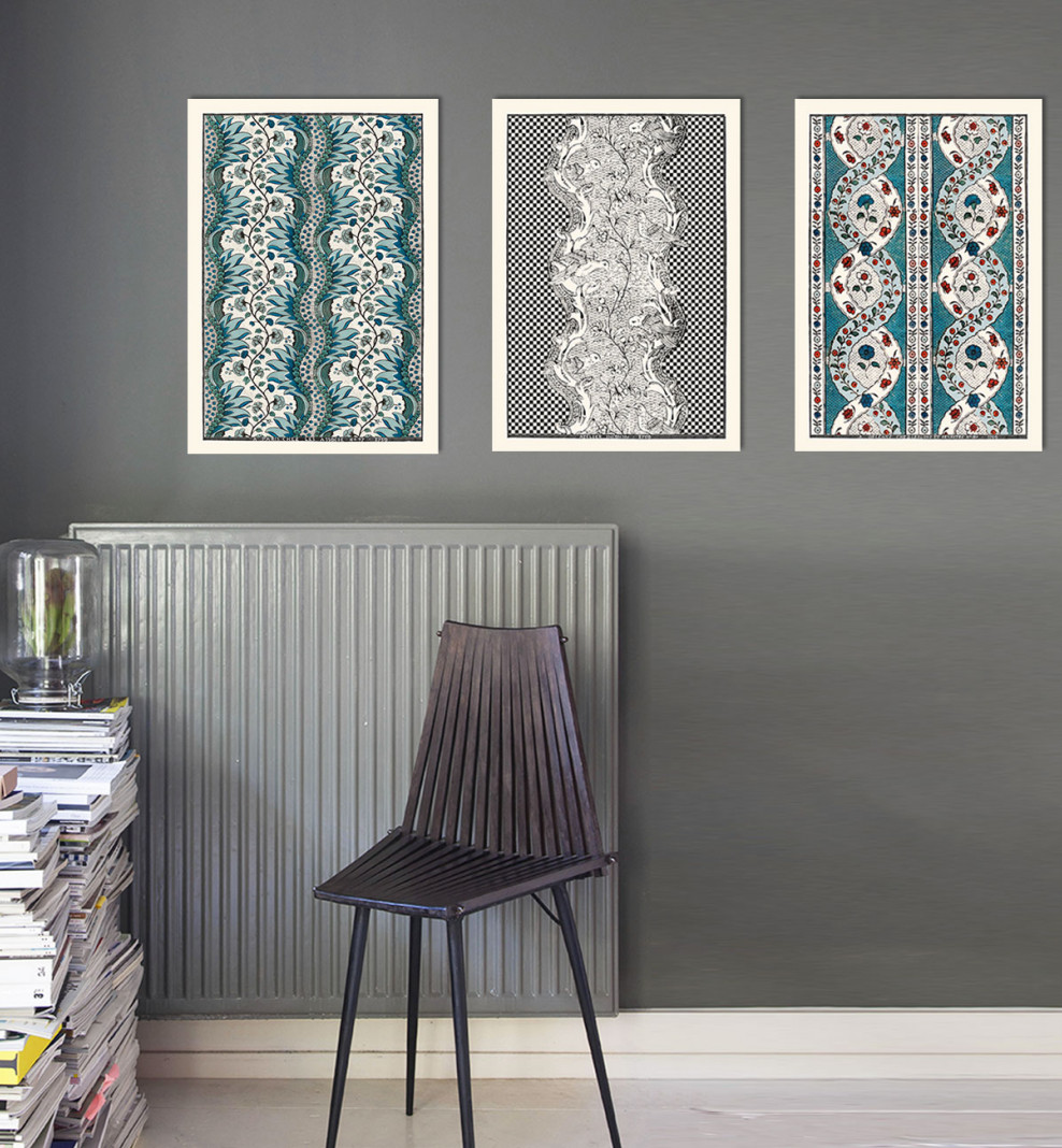 Trio de planches dominotées A3 noires et bleu azur. 1750